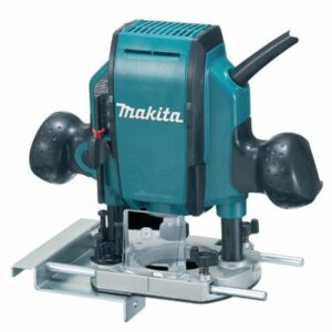 Makita RP0900X220V Router 220volt 860watt 1/4 collet in Plastic Case plus 3 Bits