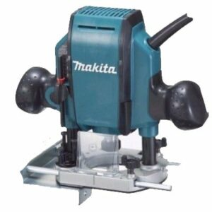 Makita RP0900X110V Router 110volt 860watt 1/4 collet in Plastic Case plus 3 Bits